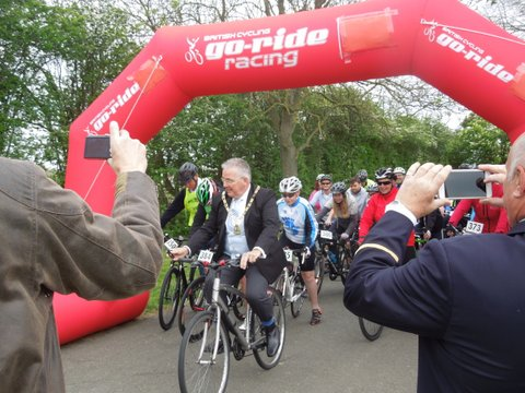 The Mayor of Bromley leads the Ride to Rio